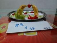 海豚:图案水果拼盘