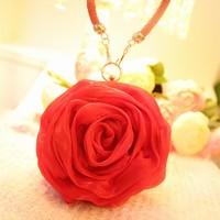 唯美手拿玫瑰花高清图片大全