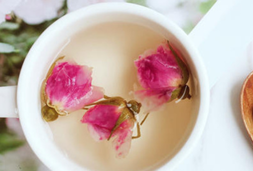 玫瑰花泡水一次放几朵,干玫瑰花泡水放几颗