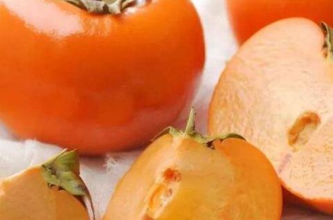 柿子和酸乃能一起吃吗,酸乃能和柿子一起吃会怎么样