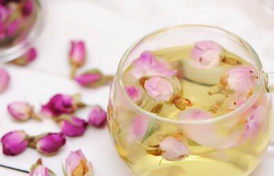 玫瑰花泡水喝的正确方法,坚持喝一个月玫瑰花茶