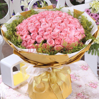 99枝粉玫瑰花束图片