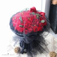 99支红玫瑰花束图片