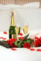 香槟酒玫瑰花浪漫图片