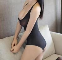 师傅吸允她胸前两团柔软 苏倩连连轻吟,身体已经开始有反应了