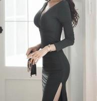 陈川霸道的掀起裙摆,将手伸了过去 老师你水真大