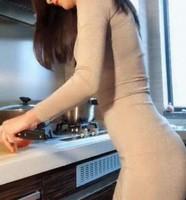 我洗碗时在厨房要了我,嫂子今晚是我的了!